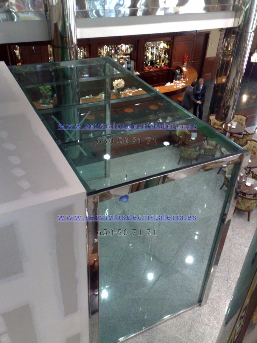Montaje comercial en cristal
